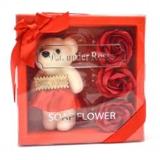 Pachet best wishes ursulet cu trandafiri de sapun rosu